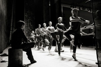 Russian-State-Ballet-Siberia-backstage_01.jpg
