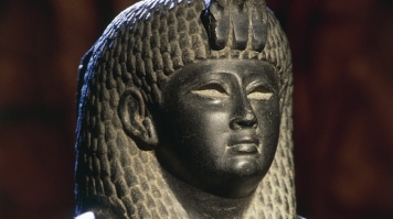 cleopatra-hero-E